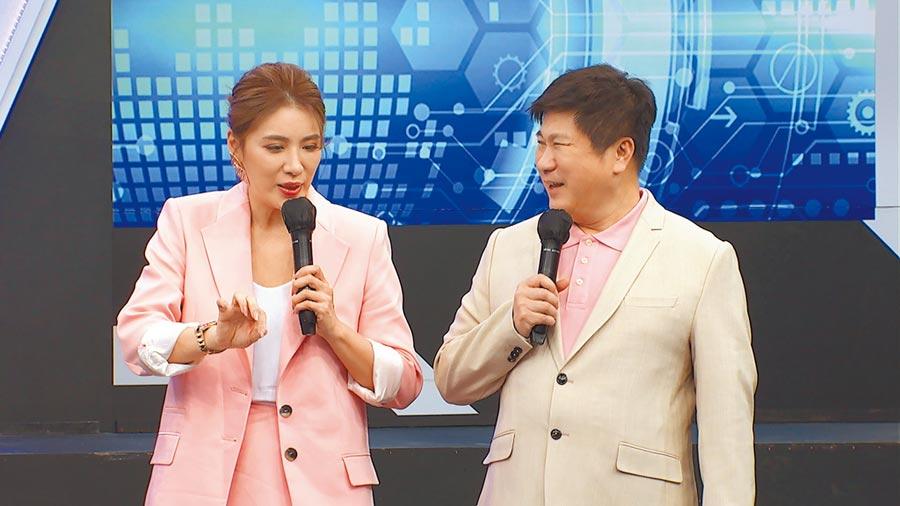 小禎(左)吐槽爸爸胡瓜不懂為人母的餵奶之苦。(中天綜合台提供)