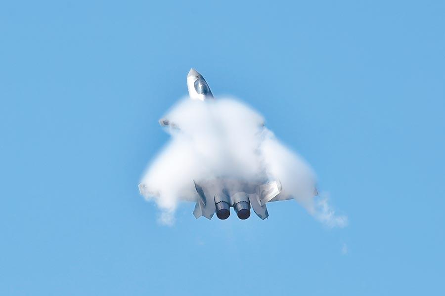 解放軍空軍殲-20戰機。(新華社資料照片)