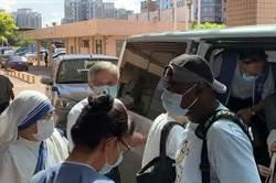 汐止聖方濟天主堂神父修女 抵新竹為殉職2飛官誦禱禮