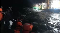 越界事件頻傳!馬祖巡防艇查扣2000噸陸籍抽砂船
