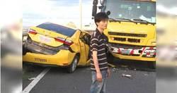 小黃駕駛酒駕逆向狂衝 大貨車司機「正面對決」原因讓人感動