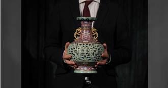 老婦50年前買的古代花瓶 拍賣標出2.58億天價