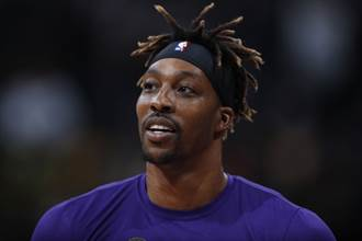 NBA》沒戴口罩遭檢舉 湖人霍華很不爽