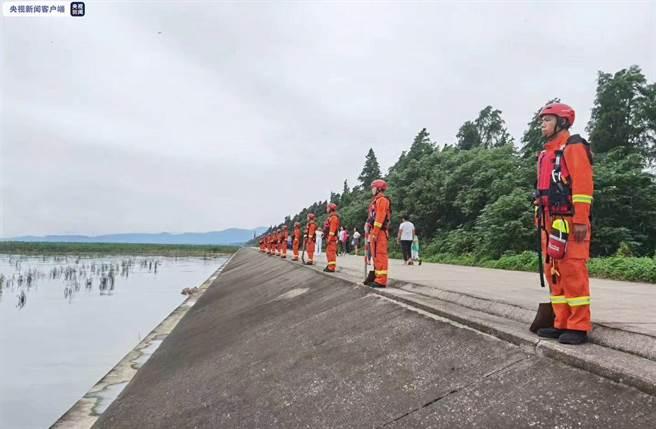太湖面臨長江第2號洪水,發布紅色預警。央視