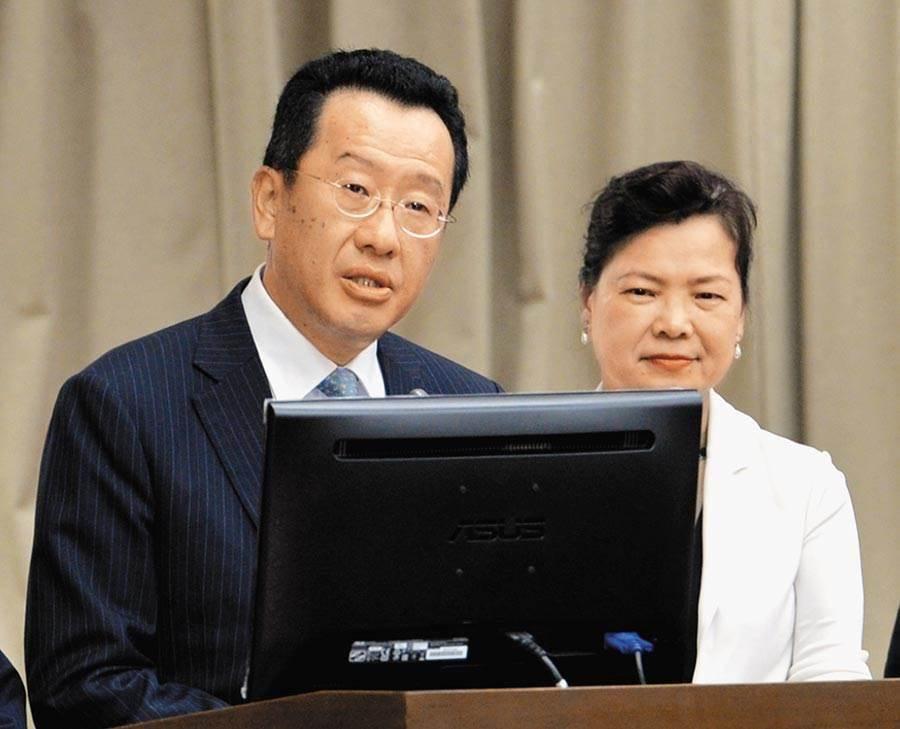 國安會秘書長顧立雄(左)、經濟部長王美花(右)。(本報資料照)