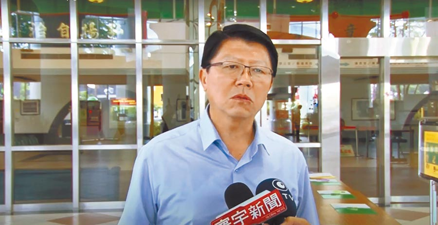 國民黨台南市黨部主委謝龍介因募款困難請辭,凸顯國民黨財政窘境。(程炳璋攝)