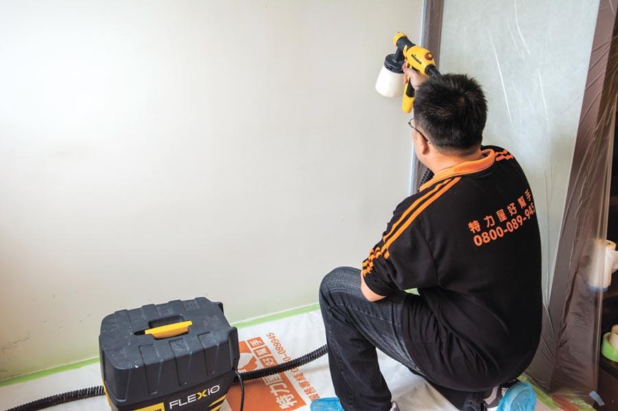油漆換新服務,特力屋提供全包式專業塗刷、專業施工一條龍服務。圖/特力屋