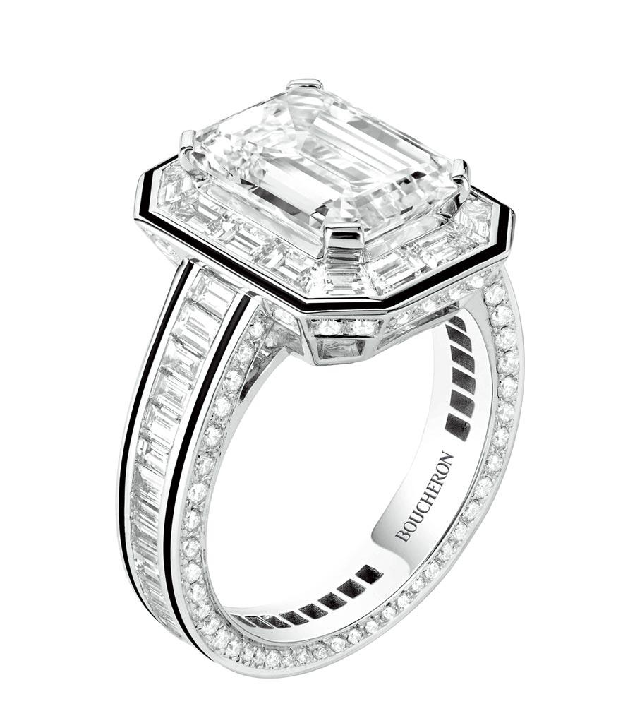 寶詩龍Lisere系列戒指,主石為4.09克拉鑽石,以黑漆鑲邊。(Boucheron提供)
