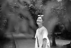 Selina單眼菜鳥爬山邊攝喊「精疲力竭」任容萱特約模特