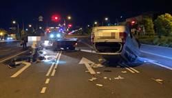 台中市南屯區環中路汽車撞分隔島倒栽蔥 車主幸輕傷