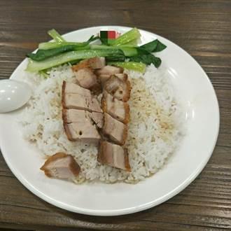 西門町吃到「天價燒臘飯」疑被當盤子 內行一看:道地香港味!