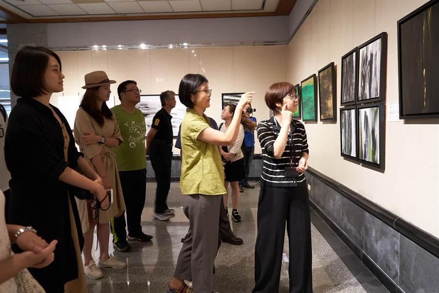 台東大學美術產業學系副教授卓淑敏,返鄉舉辦個展「太和之初」18日起至8月9日止,在港區藝術中心掬月廳展出。(主辦單位提供/陳世宗台中傳真)