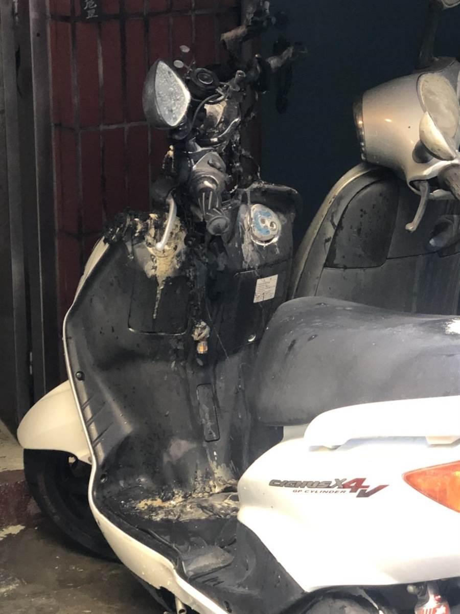 7月18日中華路一段發生機車火災,警方逮捕1名同棟印度籍男子。(民眾提供/李文正台北傳真)