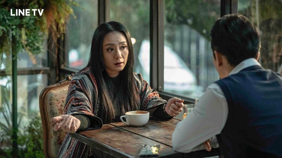 高慧君在《黑喵知情》與施名帥對戲。(LINE TV提供)