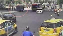 情侶牽手過「幸福路」下秒天人永隔 女友遭貨車撞飛亡