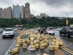 關渡橋滿滿都是「醋」 車流回堵數百公尺 8警急疏導