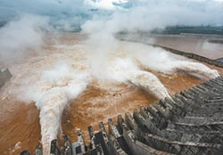 持續暴雨 長江第3號洪水正在形成