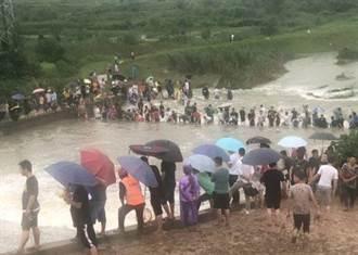三峽大壩恐迎新一波洪水 水壩洩洪 居民竟做這件事