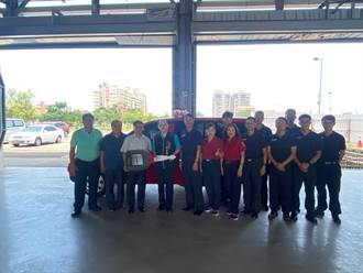 帝崴、蔡同茂兩家公司 聯合捐贈消防警備車