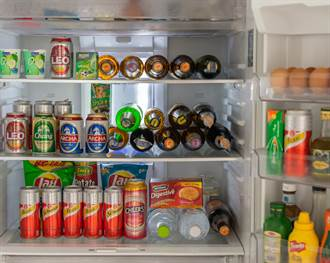 冰箱門上「鐵框長格」幹嘛用?內行人秒曝實用功能