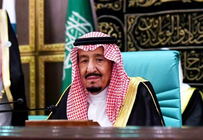現年84歲的沙烏地阿拉伯國王沙爾曼(Salman bin Abdulaziz Al Saud)20日驚傳住院接受檢查。(資料照/路透社)