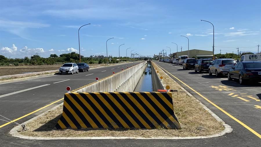 台南市六甲區西側外環道南段一期完工,二期今天開工,預計2022年3月底完工。(莊曜聰攝)