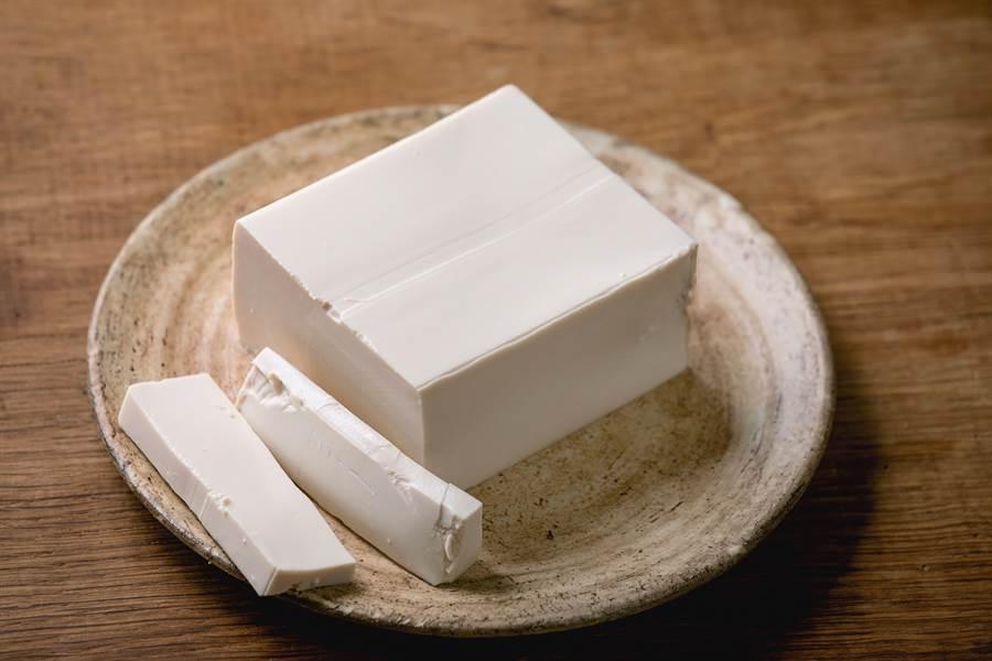 全聯買豆腐 打開才發現底部暗藏玄機!(示意圖/達志影像)