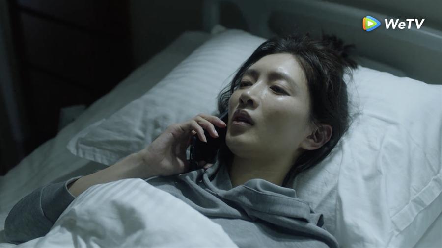 江疏影劇中臥病在床。(WeTV提供)