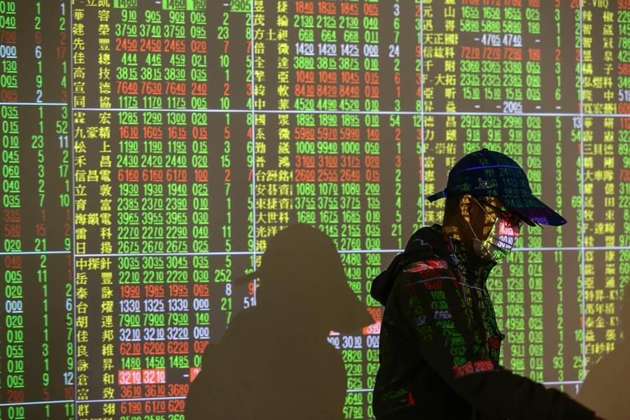 大陸半導體股過去一年大幅上漲,儘管股票估值愈來愈高,但這種漲勢卻絲毫沒有放緩迹象。圖/中新社
