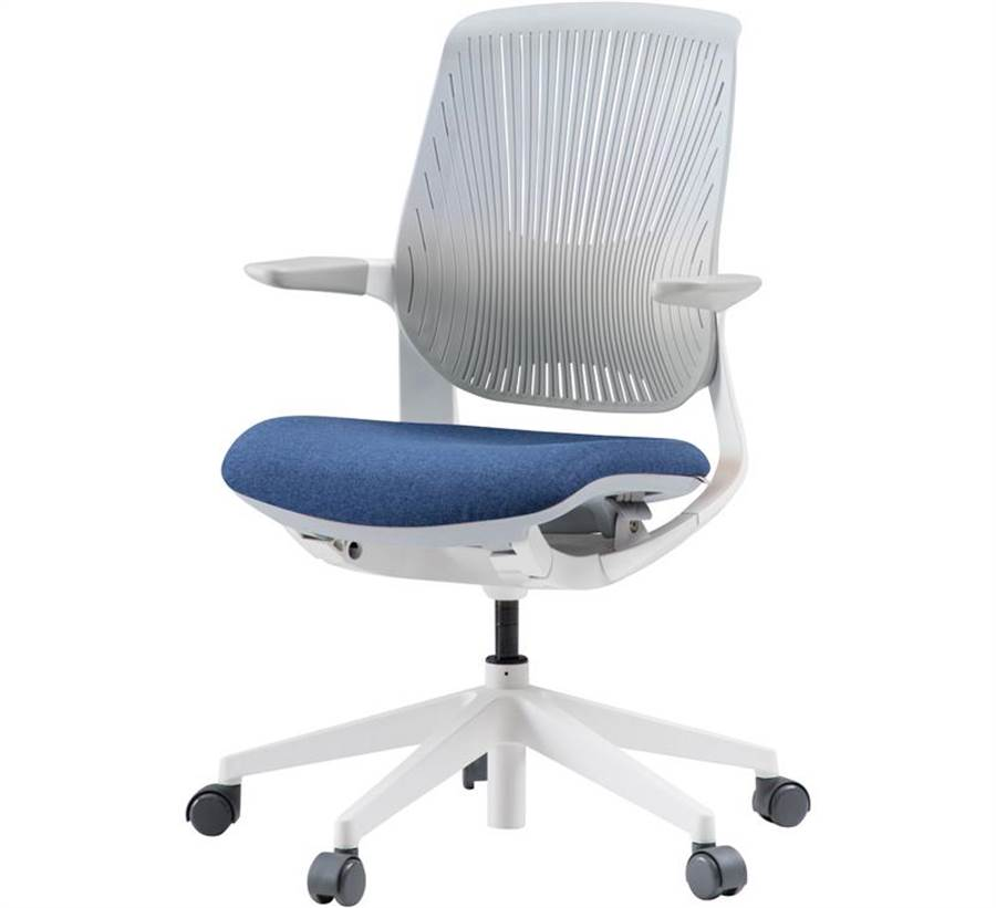 Oliver plastic人體工學透氣電腦椅,8690元起。(iloom提供)