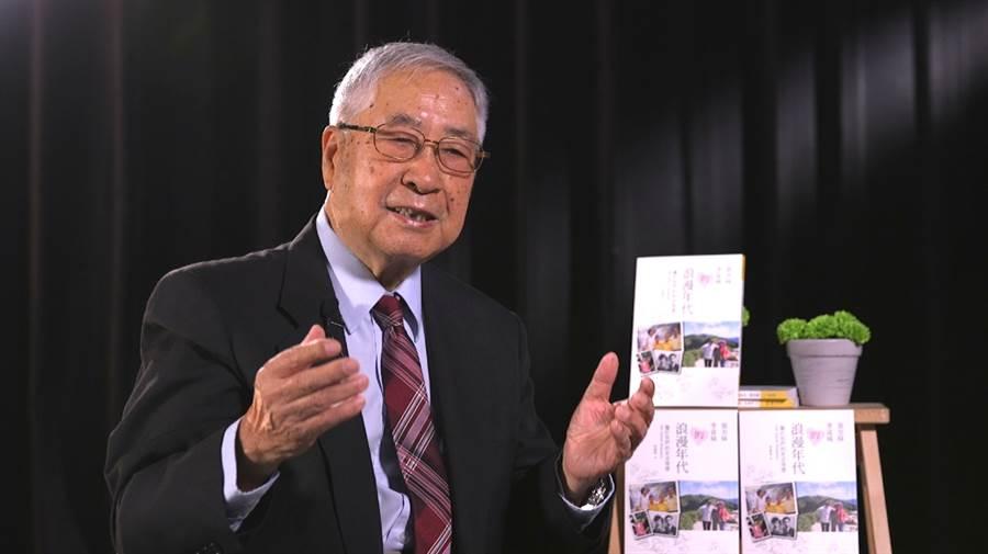 資深氣象主播李富城接受《中時新聞網》訪問,分享養蜂生活。(照片/邱子軒 拍攝)