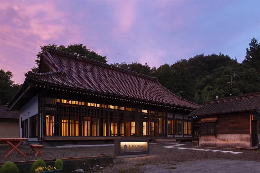 位於日本岩手縣的「平泉俱樂部 FARM&RESORT」佇立在世界遺產平泉之里,1日限1組客人,住宿人數最多可達9人。圖/日盟國際商務有限公司提供