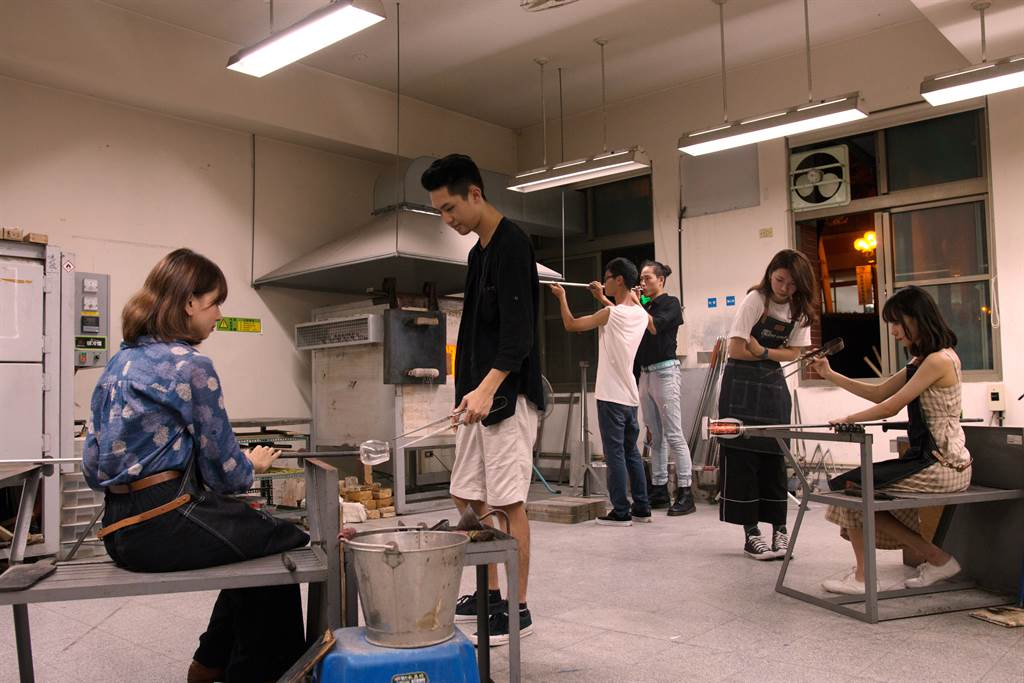 玄奘大學設計學院琉璃教室,提供學生發揮創意的多元空間。(玄奘大學提供)