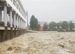 三峽將迎來新一輪洪水!陸專家形容:目前長江支流「水已淹到了頸」
