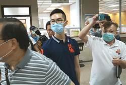 學弟盜王文洋兒臉書信箱 開庭稱:為幫他爭取自由