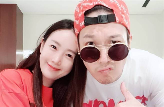Haha河東勳與老婆感情甜蜜。(取自Star IG)