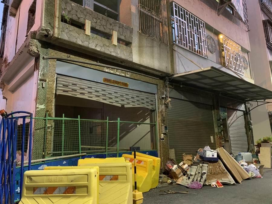 台南鐵路地下化工程21日原訂拆除的北區黃家。(李宜杰攝)