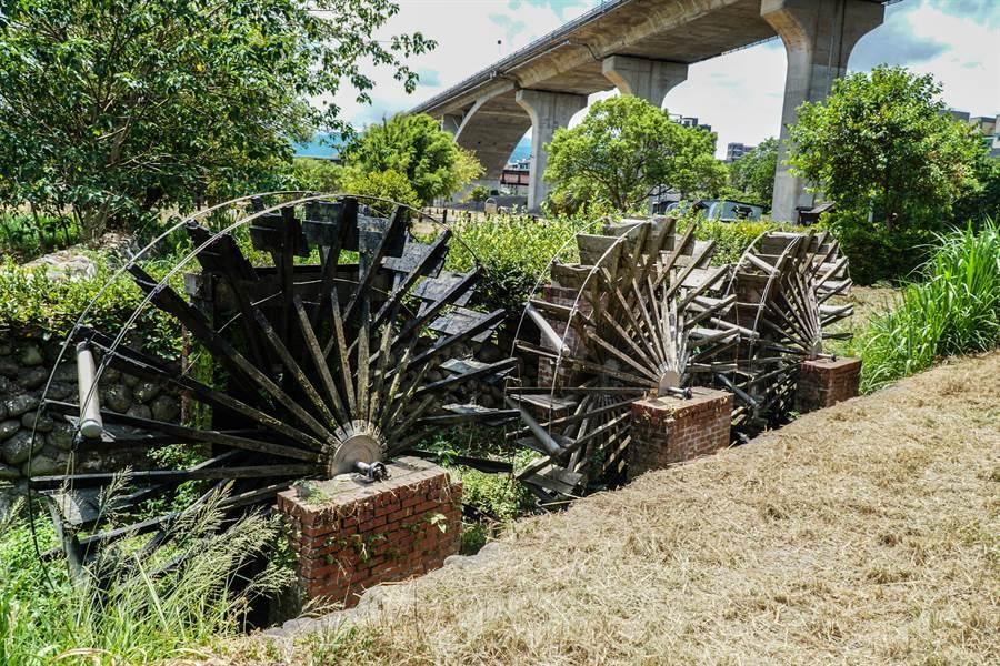 「竹東頭前溪生態公園水環境改善計畫」將拆除老舊水車重新施作。(羅浚濱攝)