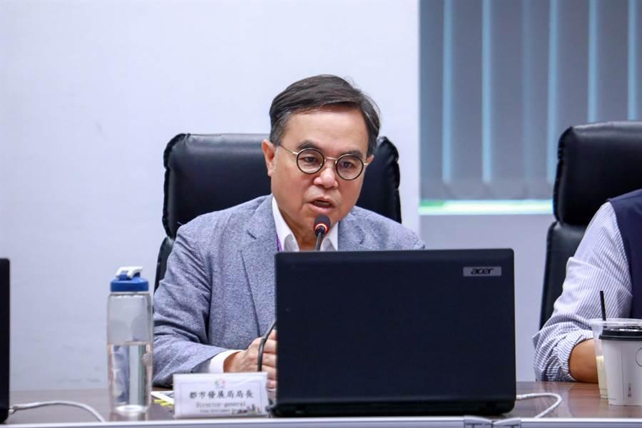 台中市都發局長黃文彬表示,城鎮之心計畫提案大致分為鏈結地方創生、打造城鎮新街景、增加公園綠地系統。(盧金足攝)