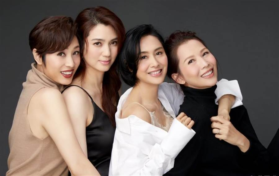4冻龄女神美貌惊豔网友。(图/翻摄自微博)