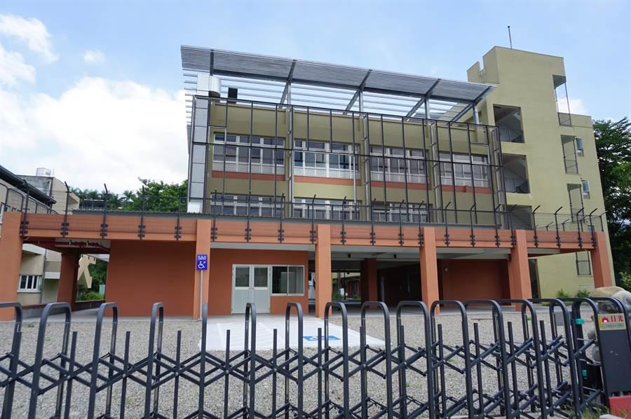 台中市教育局為推動實驗教育,投入8206萬元整修東勢高工舊校區綜合大樓。(王文吉攝)