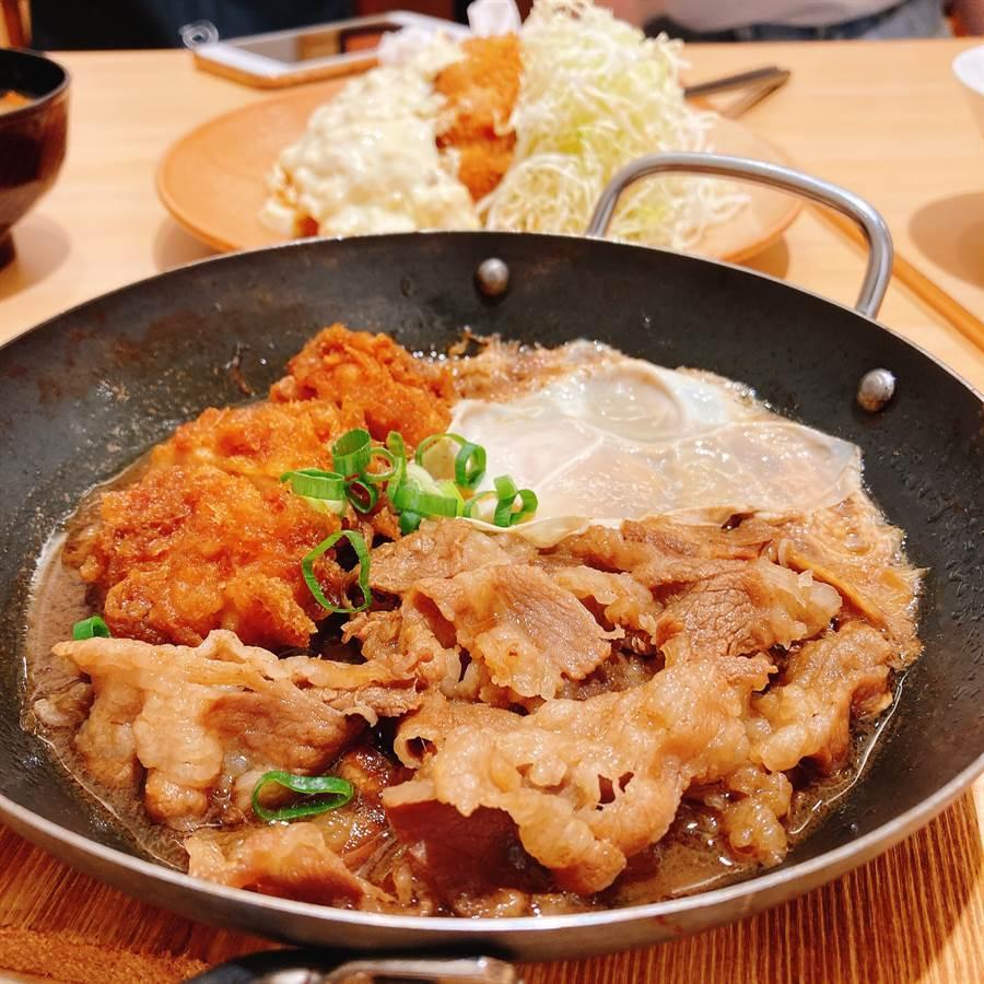 吉豚屋「壽喜牛雞排鍋定食」同時有炸雞排和壽喜燒風味的五花牛肉片,醬汁非常下飯。(圖/邱映慈攝影)