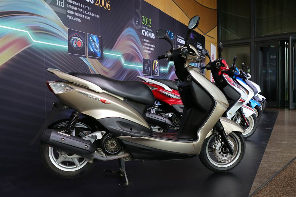 Yamaha勁戰車系最新篇章 CYGNUS GRYPHUS正式進入水冷引擎世代