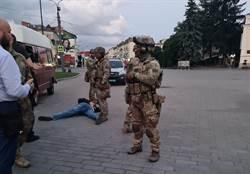 烏克蘭公車挾持事件落幕 特警30秒擒拿歹徒