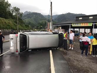 安心出遊遇車禍 廂車型打滑側翻台三線1人傷