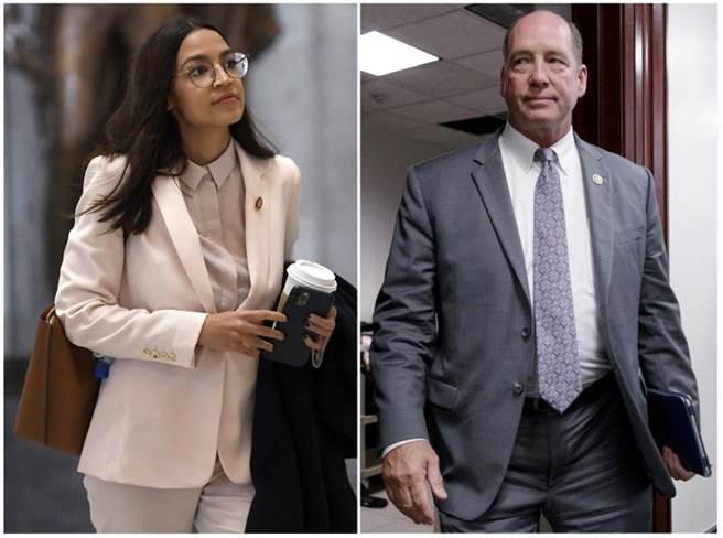 共和黨眾議員約霍(右),被媒體踢爆以性別粗話,辱罵民主黨團的明日之星歐加修-寇蒂茲(左)。(美聯社)