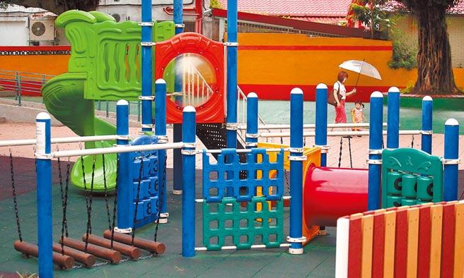 教育部21日表示,行政院已核定新台幣27億元經費,改善幼兒園遊戲場設施。(范揚光攝)