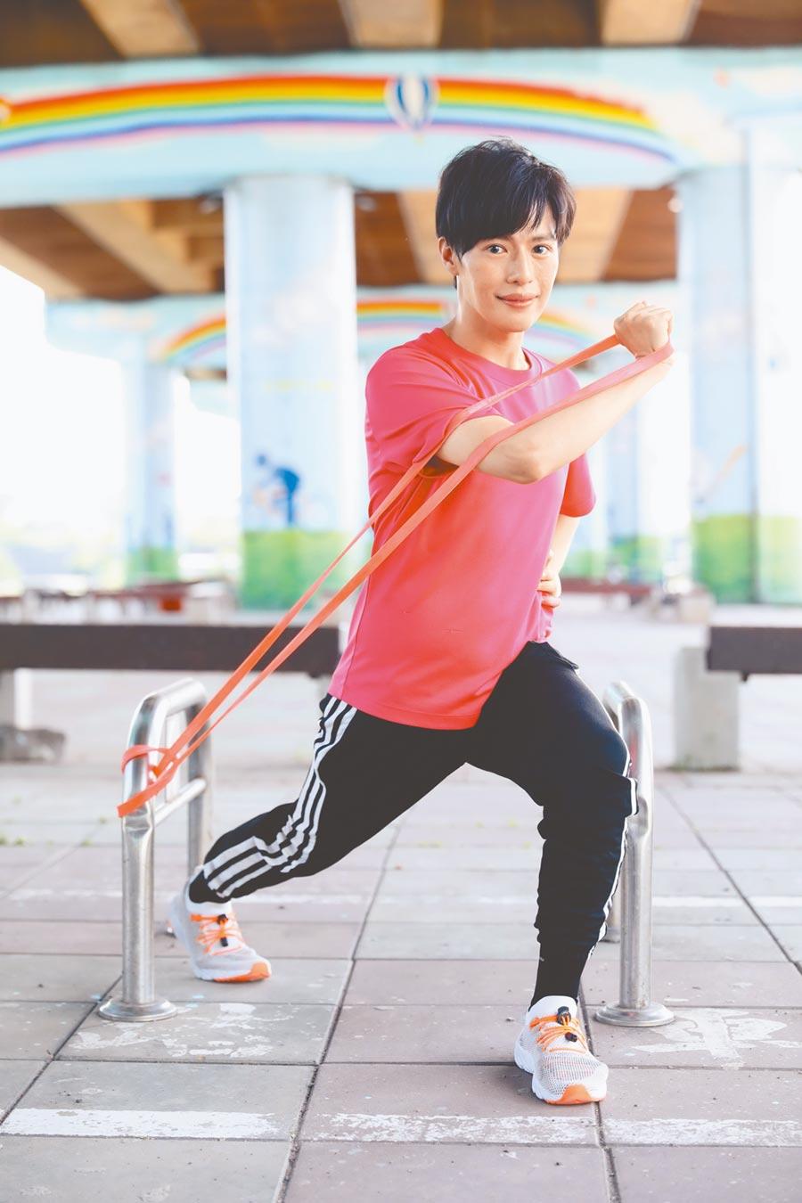 林語菲近來勤運動,練肺活量。(菲常動人音樂提供)