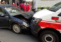 嘉義醉男開車撞毀自己的車「貓了」 還要賠救護車、吃官司