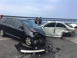 萬里北濱公路「黑白撞」 撞成廢鐵6傷送醫